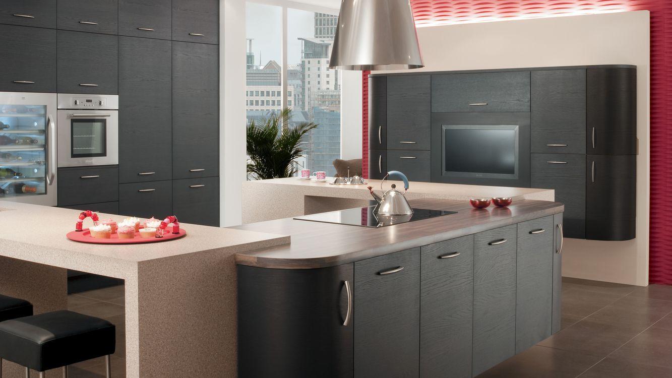 Фото бесплатно кухня, мебель, стулья, чайник, телевизор, светильник, интерьер, интерьер