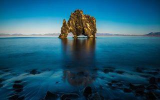 Бесплатные фото море,синее,скала,камни,берег,небо,природа