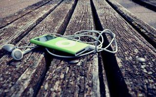 Бесплатные фото наушники, кнопки, провод, лавка, музыка