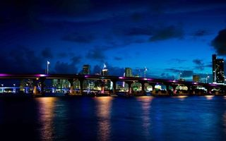 Photo free night, bridge, river