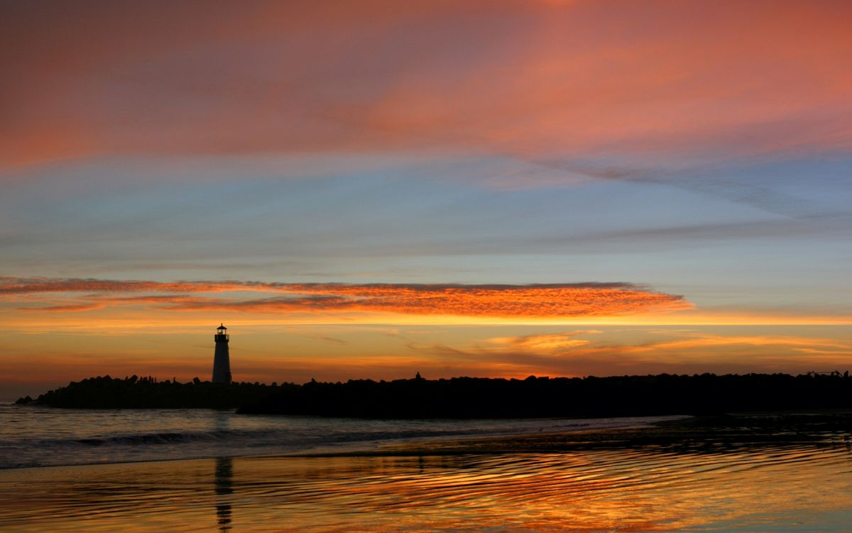 Фото бесплатно вечер, море, берег, маяк, закат, небо, облака, пейзажи, пейзажи