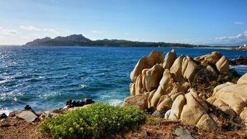 Бесплатные фото вода,волны,камни,трава,горы,небо,природа