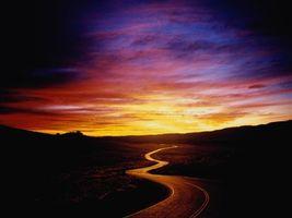 Фото бесплатно дорога, трава, закат