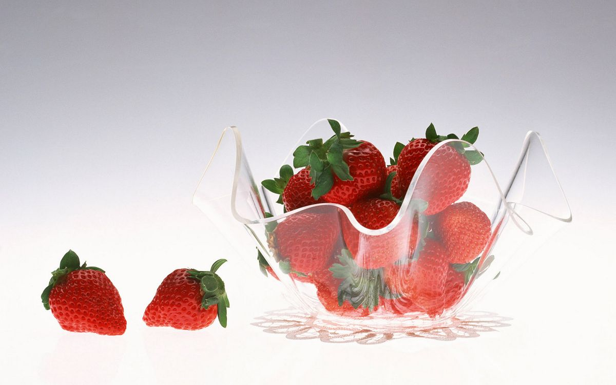 Фото бесплатно клубника, красная, ваза, стеклянная, красиво, вкусно, еда, еда