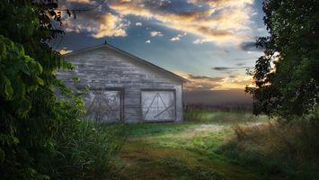 Бесплатные фото небо,облака,поле,деревья,сарай,свет,праздники