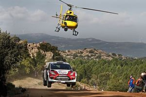 Фото бесплатно rally, wrc, ралли, трамплин, форд, новиков, вертолет, камера, гонка, спорт