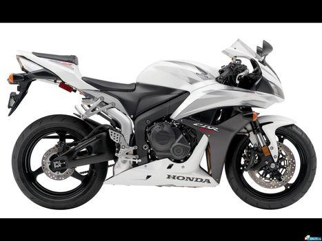 Бесплатные фото спортивный,черно-белый,быстрый,красивы,вызывающий,хонда,мотоциклы