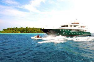 Бесплатные фото тропики,мальдивы,море,пляж,остров,яхта,гидроцикл
