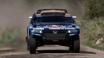 Фото бесплатно rally raid, volkswagen, джип, автомобиль, гонка, колеса, шины, бампер, стекло, пилот, спорт