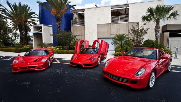 Фото бесплатно феррари, красные, фары, двери, зеркала, диски, машины