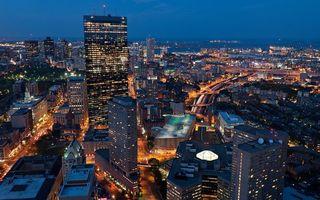 Бесплатные фото город,дома,небоскребы,вечер,огни,свет,улицы