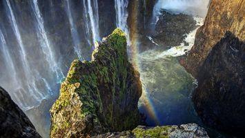 Бесплатные фото водопад,брызги,река,радуга,скалы,камни,мох