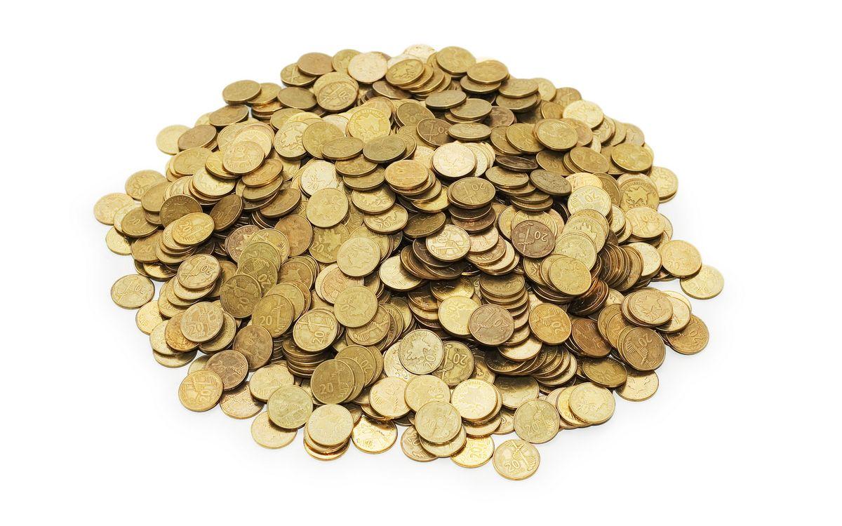 Фото бесплатно золотые, монеты, кучка, белый, фон, деньги, деньги
