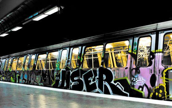 Фото бесплатно graffiti, краски, метро