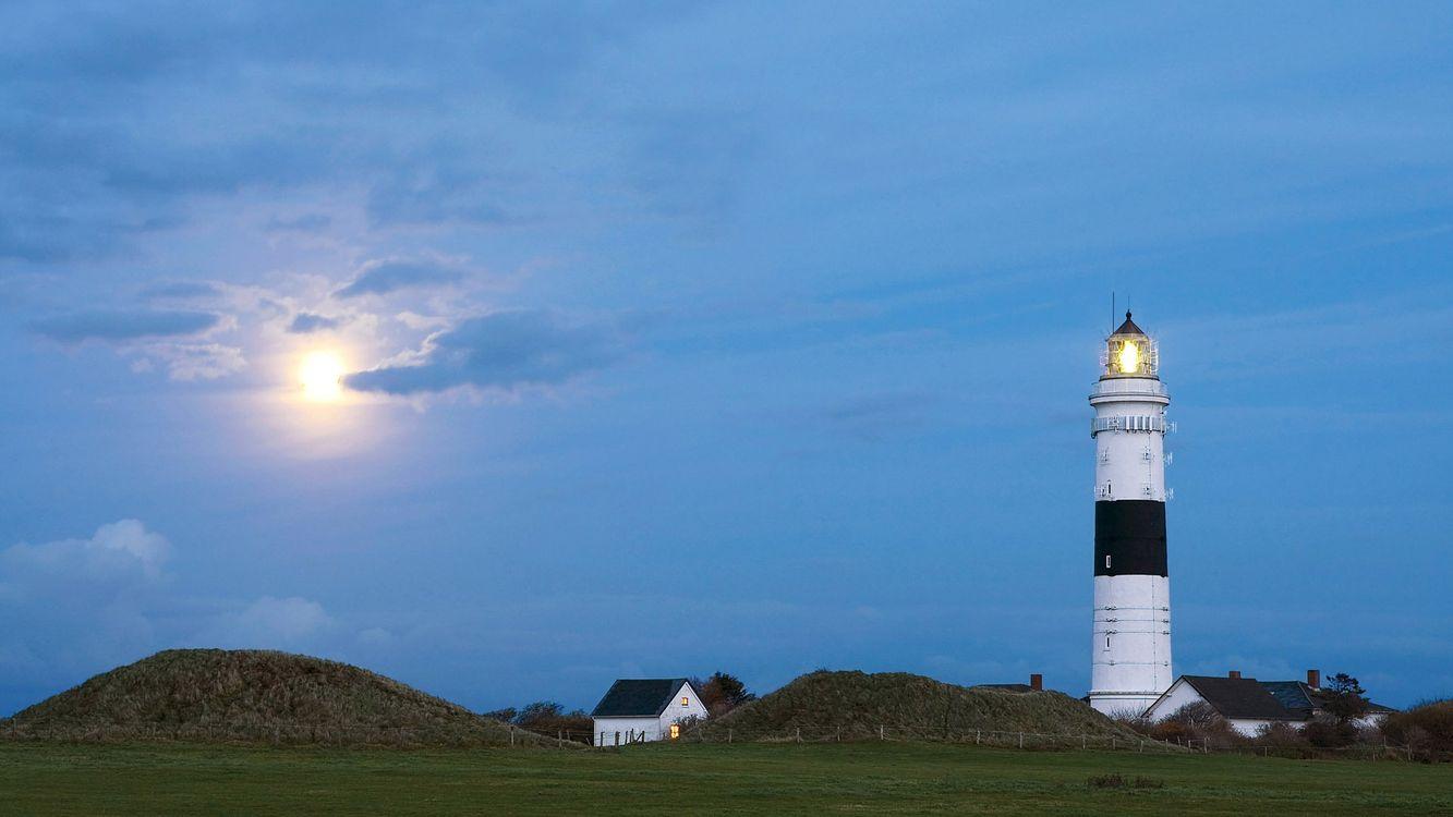Фото бесплатно дома, белые, маяк, свет, небо, облака, солнце, разное, разное