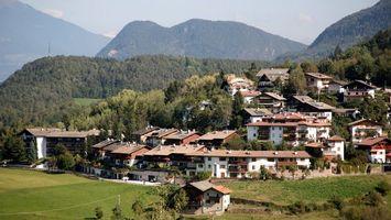 Бесплатные фото дома,крыши,лес,поле,трава,зеленая,город