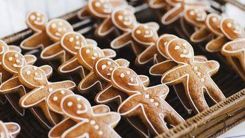 Обои печенье, человечки, рисунок, форма, глаза, рот, нос, пуговки, тарелка, посуда, еда