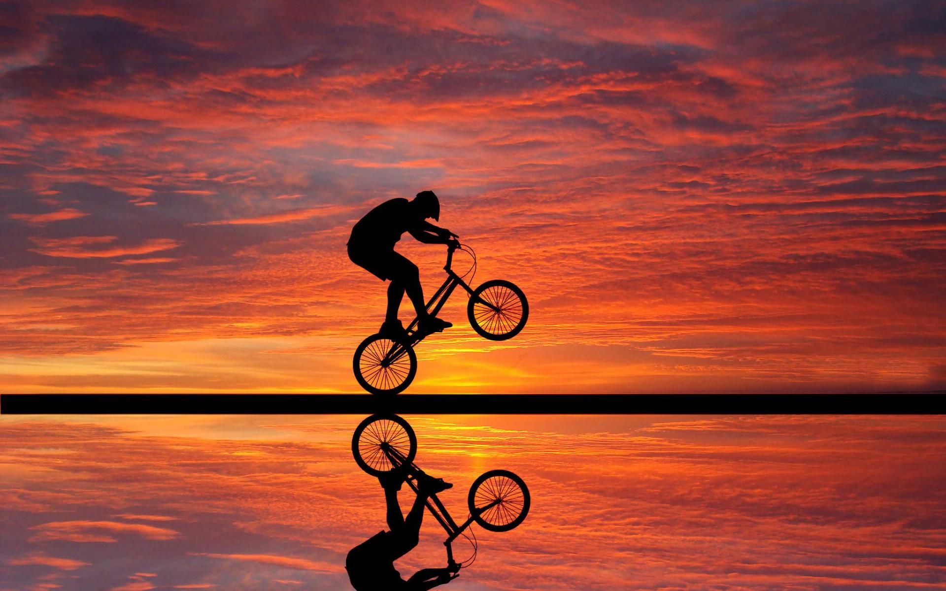 велофристайл, триал, велосипедист