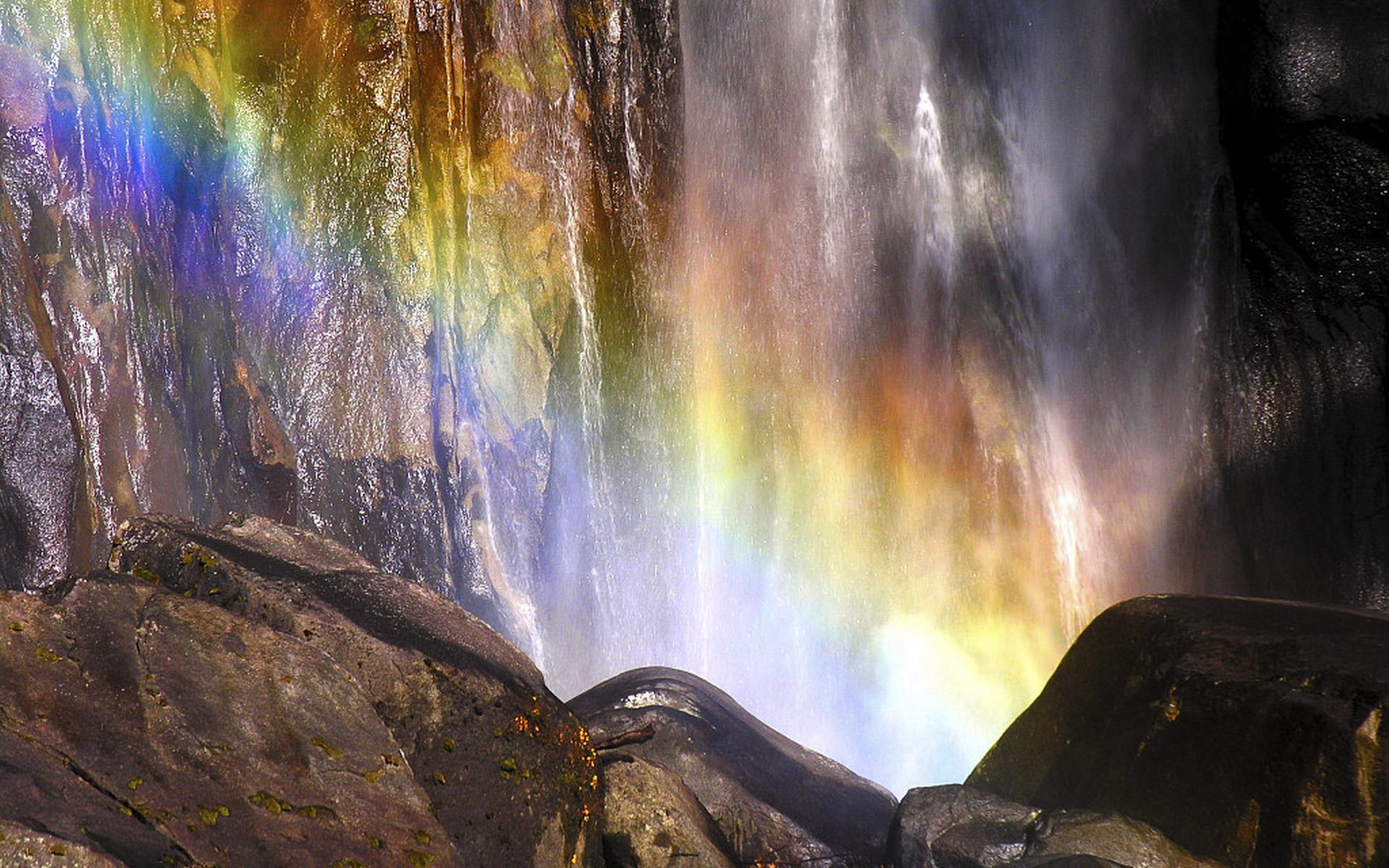 Фото вода и камни