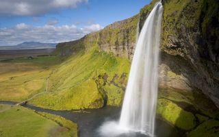 Бесплатные фото вода,река,водопа,горы,скалы,трава,небо