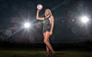 Заставки девушка, волейболистка, форма, мяч, фонари, свет, спорт