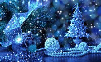 Бесплатные фото елка,шары,ленточки,бусы,мишура,украшение,синий