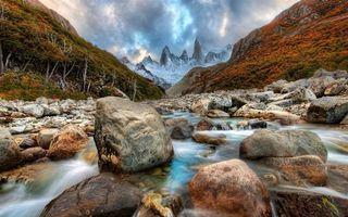 Бесплатные фото горы,камни,вода,небо,молнии,деревья,природа