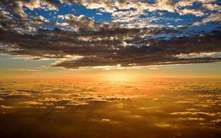 Фото бесплатно небо, голубое, облака, солнце, свет, лучи, пейзажи