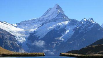 Бесплатные фото река,вода,горы,трава,снег,небо,природа