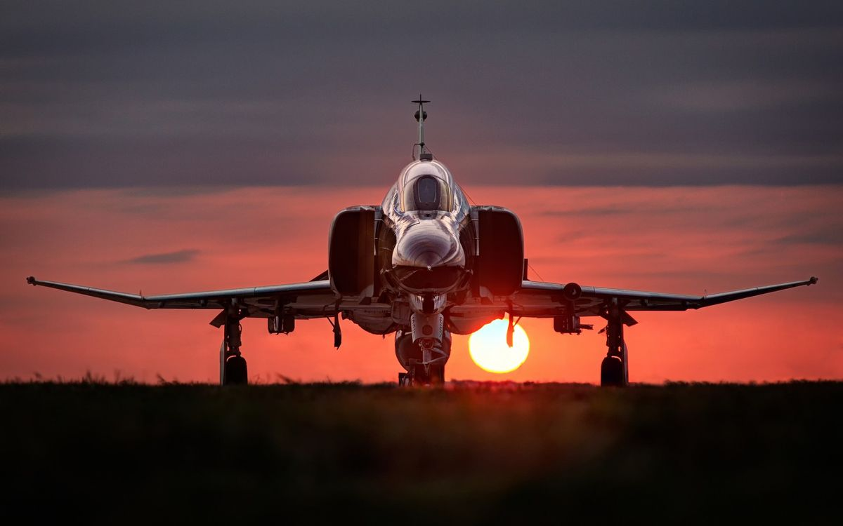 Фото бесплатно самолет, истребитель, крылья, шасси, небо, закат, солнце, авиация, авиация