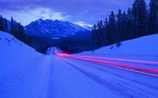 Бесплатные фото зима, сугробы, деревья, горы, дорога, машина, скорость