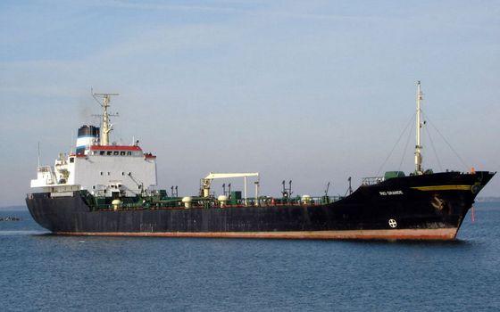 Бесплатные фото море,танкер,палуба,перевозка,груз,небо,разное