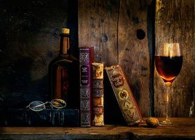 Бесплатные фото натюрморт,композиция,книги,бокал,вино,бутылка,очки