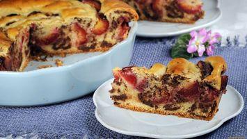 Бесплатные фото пирог,тарелка,белая,цветок,фрукты,скатерть,еда