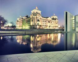 Бесплатные фото палац,німеччина,германия,вода,будівля,ніч,город