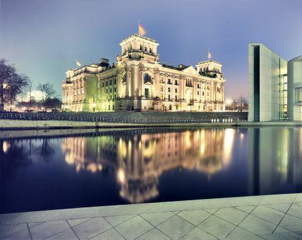 Фото бесплатно палац, німеччина, германия, вода, будівля, ніч, город, пейзажи
