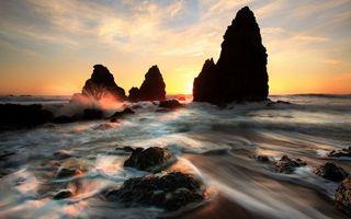 Бесплатные фото море,берег,волны,скалы,брызги,вечер,закат
