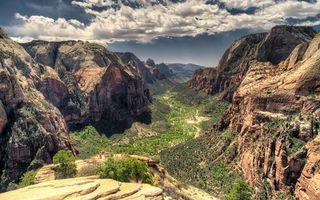 Обои национальный парк зайон, штат юта, горы, кустарники, облака, природа