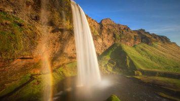 Бесплатные фото река, водопад, брызги, радуга, камни, мох, небо