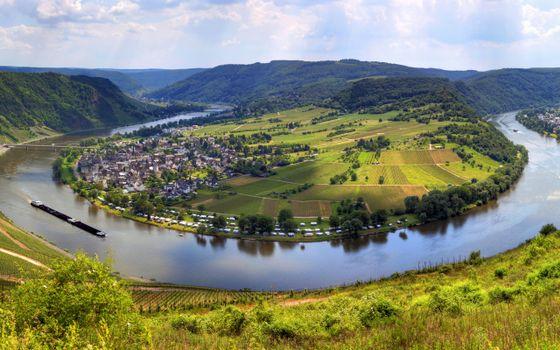 Бесплатные фото река,полуостров,мост,дома,отдых,машины,холмы,лес,пейзажи