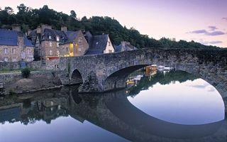 Бесплатные фото вода,река,мост,каменный,деревья,небо,город