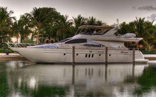 Бесплатные фото яхта,пальмы,дома,море,океан,волны,небо