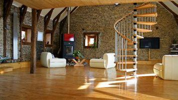 Бесплатные фото лестница,телевизор,кресла,окна,стены,камин,интерьер
