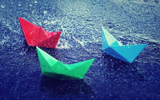 бумажные, кораблики, лужа, дождь, брызги