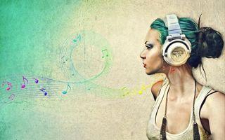 Бесплатные фото девушка,майка,наушники,музыка,звук,ноты,рендеринг