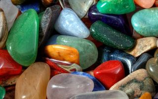 Фото бесплатно камни, разноцветные, стекляшки, красный, зеленый, синий, природа