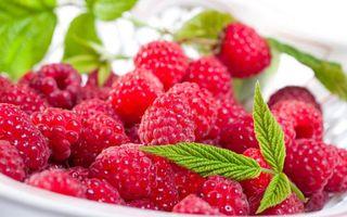 Фото бесплатно малина, ягоды, листики