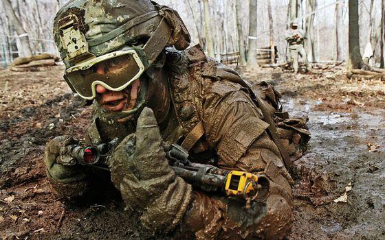 Фото бесплатно солдат, война, шлем