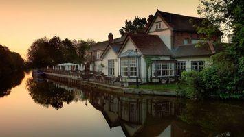 Бесплатные фото дом,крыша,окна,деревья,озеро,отражение,разное