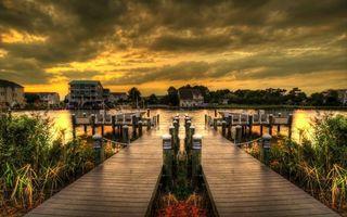 Заставки мост, причал, деревянный, вода, река, море, залив, небо, облака, тучи, трава, растения